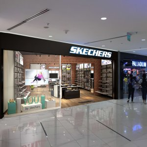 Fountainhead-thiet-ke-noi-that-showroom-skecher-saigon-centre (